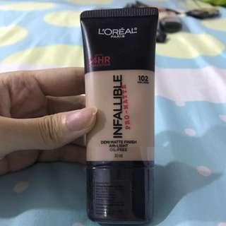 L'Oréal Infallible Pro-matte Foundation 102