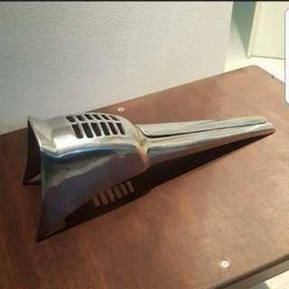 Vespa Horn Cast