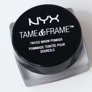 NYX tinted brow tame & frame (Black)