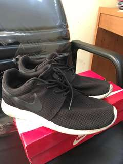 Nike Rosherun Black & White