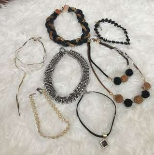 Take all necklaces (7 items)