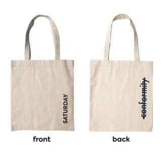 saturday's anti-conformist Canvas tote bag