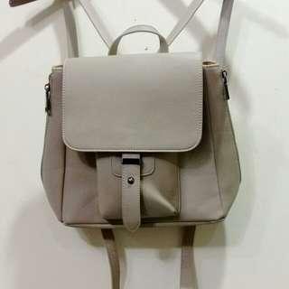 全新 灰色後背包 ZALORA購入品牌包