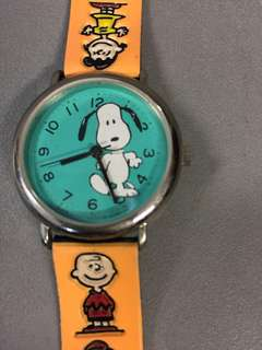 IN EXCELLENT CONDITION! Official Licensed Peanuts Snoopy & Friends Cute Watch