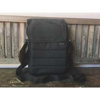 """Targus 12.1"""" EcoSmart™ Emerald GREEN Messenger Bag"""