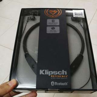 R5 Neckband Headphones