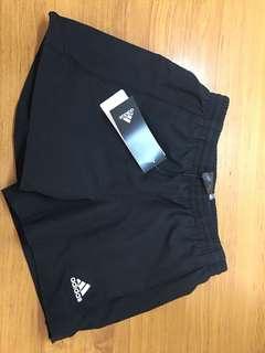 Women's adidas Black Shorts Yb Ess Wv Chelsea size 8-9Y