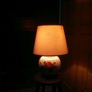 🚚 古早陶瓷手繪花卉底座檯燈