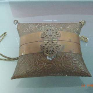 ANTIQUE SMALL CARRIER