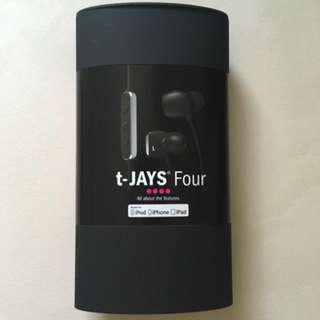 BN T-Jays 4 Black sealed New