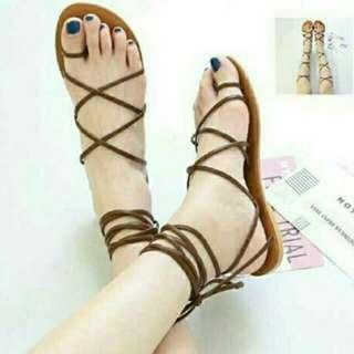 Sandal tali baru
