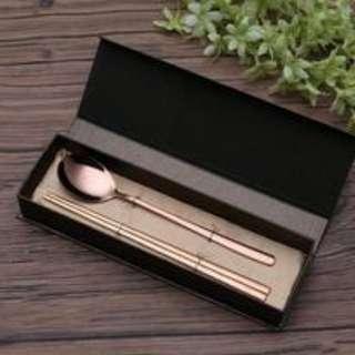 【全新】韓式不鏽鋼鈦金筷子湯匙 組合,含盒子 環保餐具 餐具組
