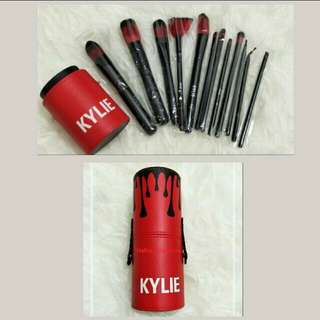 Kylie red brush kit / in-stock / Offer / with free lipstick 💄