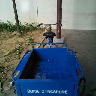 Dura bike trishaw