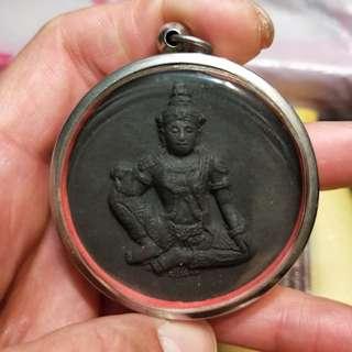 Thai amulet Jatukam