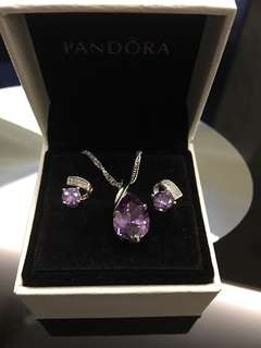 $20 (INSTOCKS! Brand new) S925 Silver with Swarovski crystals earring!