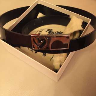 Burberry black leather belt 95% new