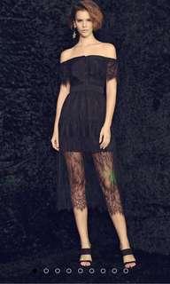 BLACK LACE OFF-SHOULDER MAXI DRESS