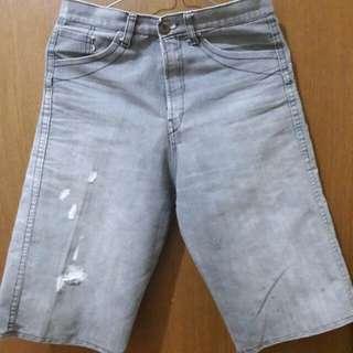 Preloved Celana Ripeed Abu Celana Sate fit to L mat Jeans