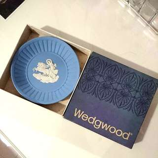 Luxury Wedgewood  blue porcelain plate