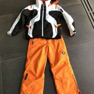 Boys' DESCENTE Ski jacket and pants in Size US 10/130