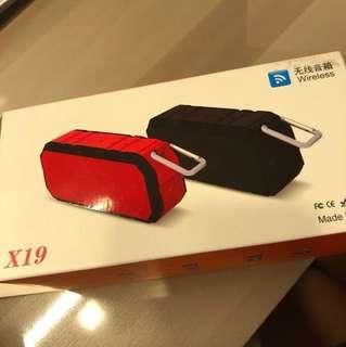 X19 ( speaker+ power bank)