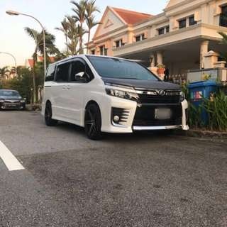 Toyota Voxy 2.0 Auto ZS