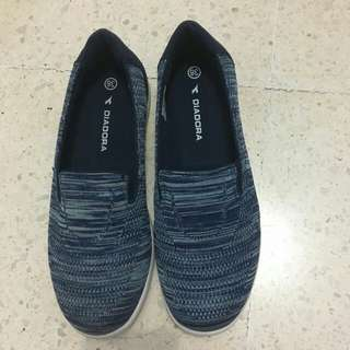 Diadora flat shoes