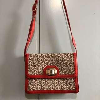 DKNY crossbody/shoulder bag