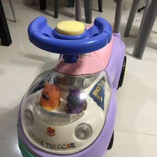Ride on toy car