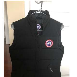 Women's Freestyle Canada Goose Vest -black, size small