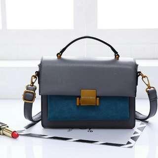 Tas Monna Vania *MIRANDA* C7322 High Quality 👍Original Brand Bag Size : 22 x 9 x 16Cm Berat : 7 Ons Material : Kulit Set Talipanjang 👌🏻 Model : Selempang  Variant : Brown Black Grey  IDR: 290.000 😉👌🏻