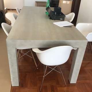 """'TREE"""" Dining Table - solid Oak (as New)"""