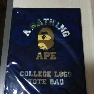 A bathing ape布袋連貼紙