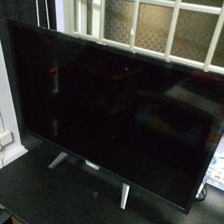 Philips 5100 series Ultra Slim Smart LED TV 32PHT5102/98