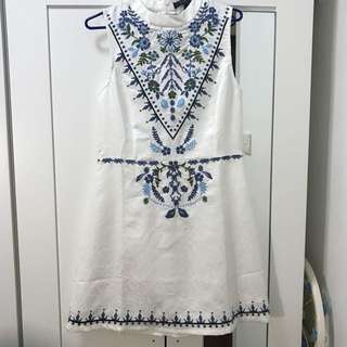 MDSCOLLECTIONS Embroidery Sleeveless Dress