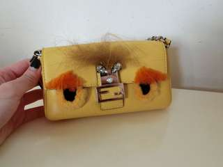 FENDI Monster Micro Baguette 包包