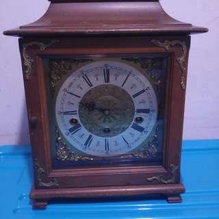 德國上鏈式座枱古董鐘