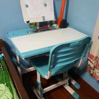 Preloved Ergonomic Study Table Set