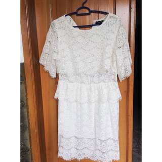 Dress brukat putih