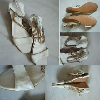 Code : Sloppy Sandal