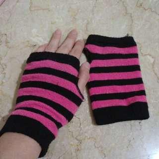 Glove pink stripe