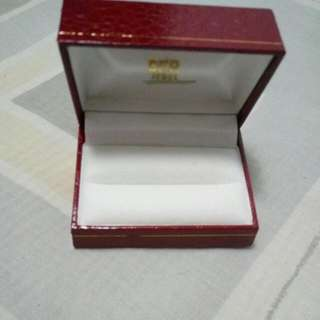 Double Ring Box In Red