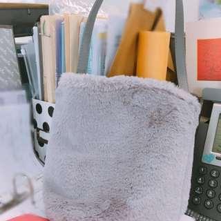 日本Beams Luxe 毛毛手挽袋