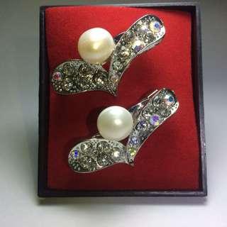 Original Pearl Brooches. (Kerongsang)