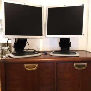 Computer monitors HP 17 inches