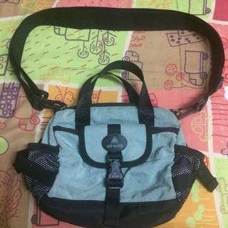 Airwalk sling bag