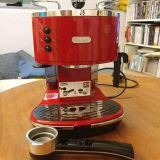 Delonghi ECO310 Classic Red 咖啡機 送電動磨豆機+打奶壺
