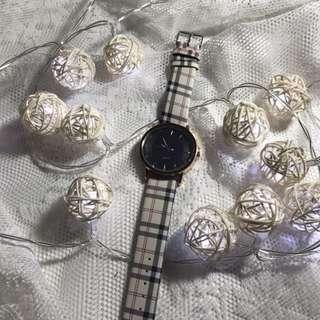Quartz Fashion Watch In Black