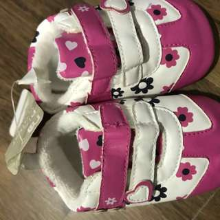Mothercare Baby girl prewalker shoes (size 3 - should be for up to 3 months old)